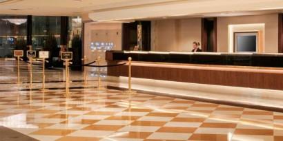 Hotel-Front-Desk_supergallery1